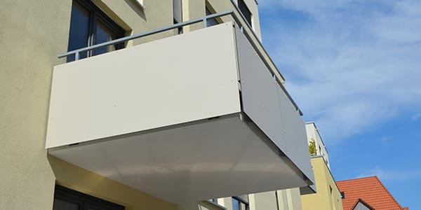 Balkonverkleidung-duromere-Hochdrucklaminate
