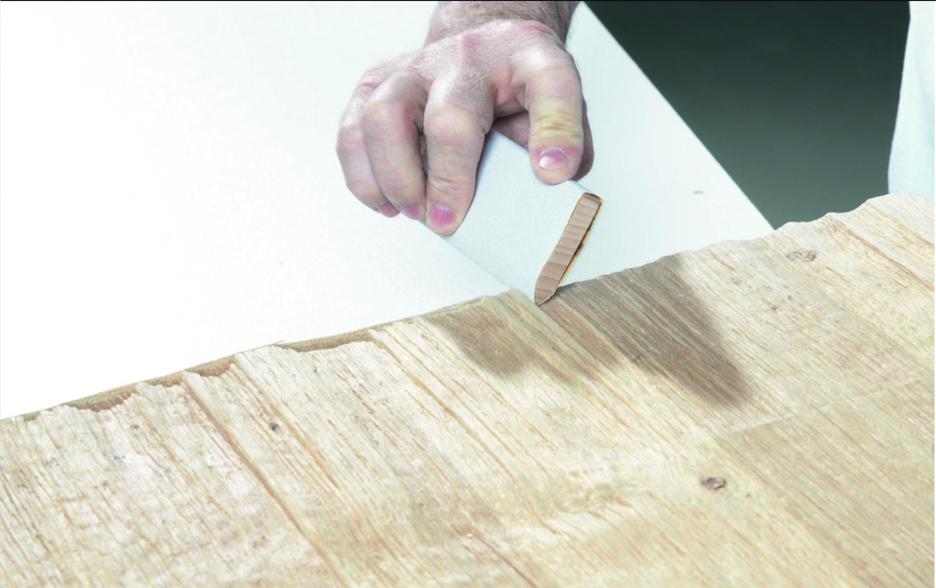 4. Enge Strukturverläufe müssen mit geeigneten Schleifpapierträgern nachgearbeitet werden.